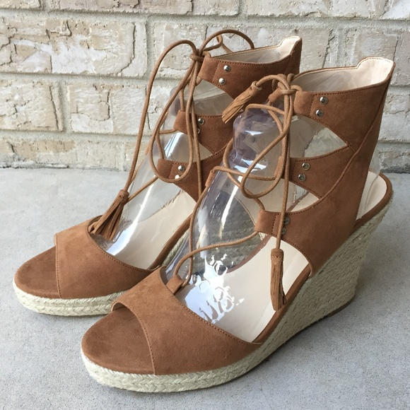 b9337d0cbacb NWB Guess Lamba 2 Brown Wedge Tie Sandals Size 9
